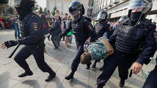 Moscovo investiga presença de menores nas manifestações