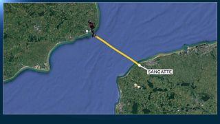 """شاهد: بعد فشل المحاولة الأولى """"الجندي الطائر"""" ينجح في عبور القنال الإنجليزي"""