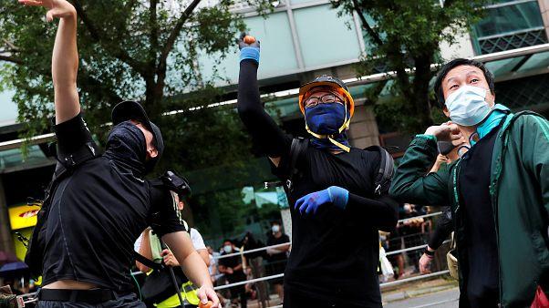 Contestações mantém Hong Kong sob pressão