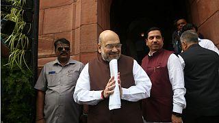 امت شاه وزیر کشور هند به هنگام ارائه طرح کشمیر در مجلس هند