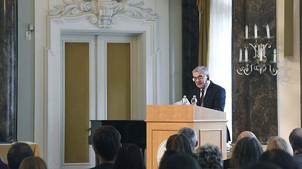 Maróth Miklós miniszterelnöki megbízott beszédet mond a Kárpát-medencei Magyar Nyári Egyetem megnyitóján