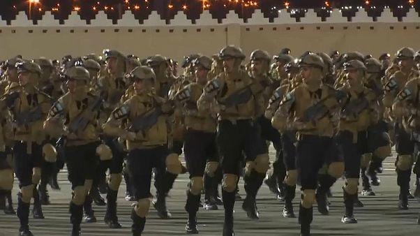 شاهد: استعراض عسكري للقوات المكلفة بخدمات أمن موسم الحج