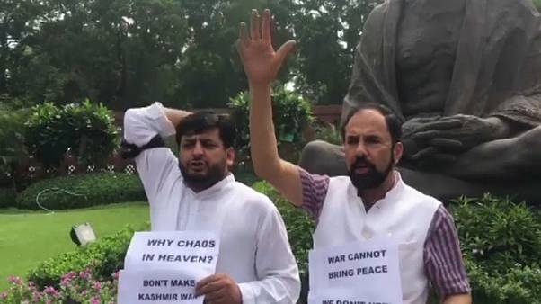 India suspende el Estado de Cachemira
