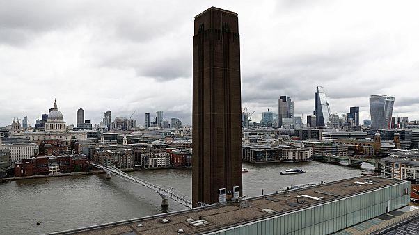 Ez látható a londoni Tate 10. emeleti kilátójából