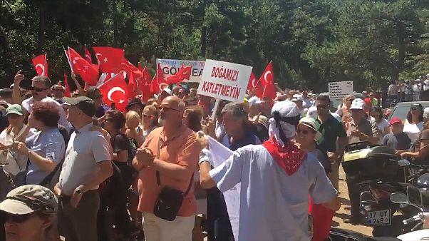 Kaz Dağları'nda on binlerce kişi maden arama çalışmalarını ve doğa katliamını protesto etti