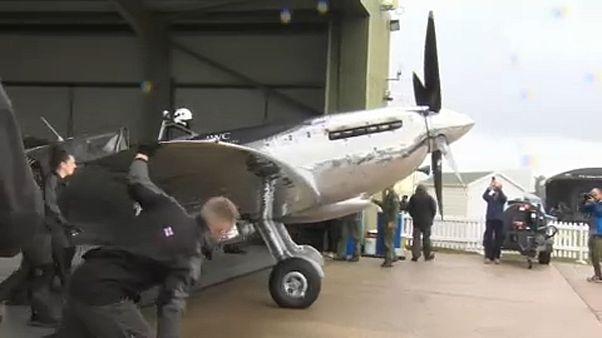 Partito dall'Inghilterra il giro del mondo in volo su uno Spitfire
