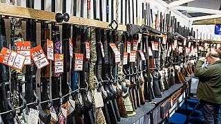 Possesso di armi: quali sono le differenze tra Stati Uniti e Europa?