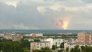 Ρωσία: Κόλαση φωτιάς μετά από εκρήξεις σε αποθήκες πυρομαχικών