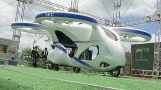 Video | Japonya'da geliştirilen yeni 'uçan araba'nın tanıtımı yapıldı