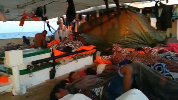 Nadie quiere al Open Arms ni a los 121 inmigrantes que viajan a bordo