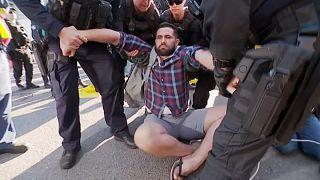 صدها معترض به تغییرات اقلیمی در استرالیا بازداشت شدند