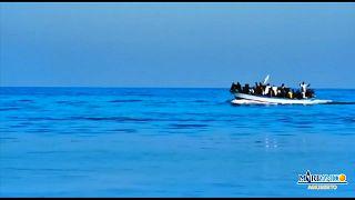 """""""هبوط الأشباح"""": فيديو يظهر وصولا ناجحا لمهاجرين غير شرعيين إلى ساحل إيطاليا"""