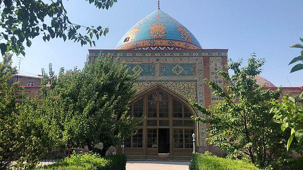 صحن اصلی مسجد کبود ایروان
