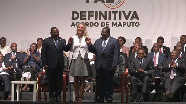 Frelimo e Renamo assinam acordo para a paz definitiva em Moçambique