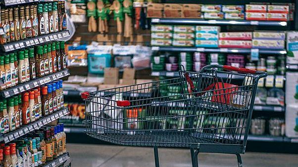 Japonya'da raflarda gezen dev sıçanlar mağazayı kapattırdı; marketler zinciri özür diledi