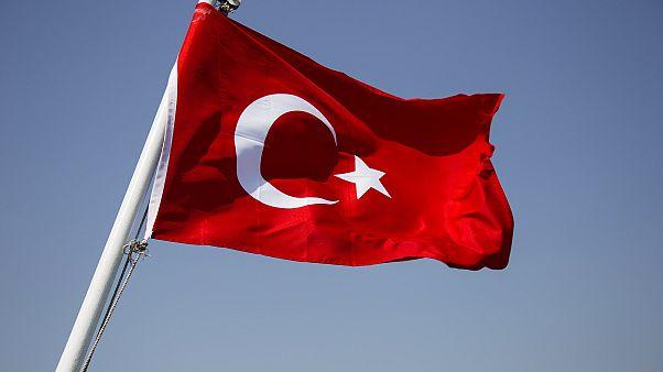 Μπλοκάρουν ιστότοπους και λογαριασμούς μέσων κοινωνικής δικτύωσης που επικρίνουν τον Ερντογάν