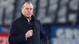 Önként nem mond le a Schalke rasszista sportvezetője
