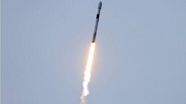 ماهواره مخابراتی عاموس۱۷ اسرائیل به فضا پرتاب شد