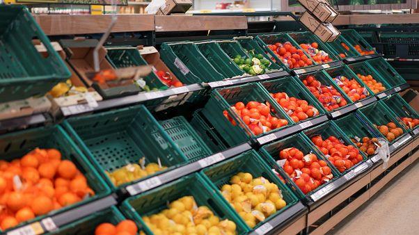 Ελλείψεις τροφίμων φοβούνται Βρετανοί έμποροι αν γίνει άτακτο Brexit