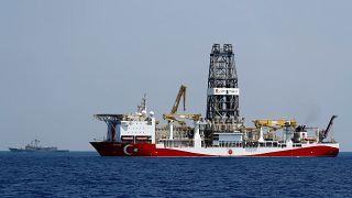 سفينة التنقيب التركية ياووز قبالة الساحل الشمالي الشرقي لقبرص يوم الثلاثاء