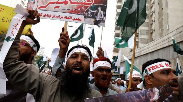 باكستان تقول إنها ستطرد السفير الهندي