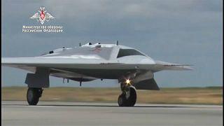 """شاهد: روسيا تنشر فيديو لأول طلعة جوية لطائرة """"الصياد"""""""
