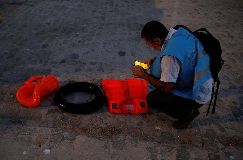 Reuters, John Nazca