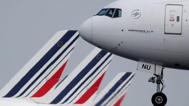 'Flight shame' website spells out emissions toll on global climate