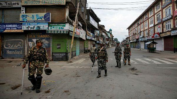 بحران کشمیر؛ هند از پاکستان خواست تا در تصمیماتش تجدیدنظر کند