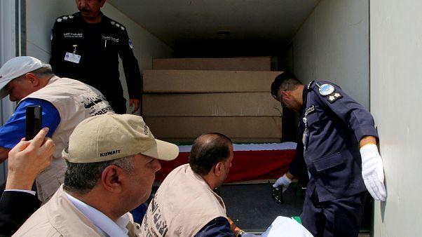 شاهد: العراق يسلم رفات 48 كويتيا فقدوا في حرب الخليج