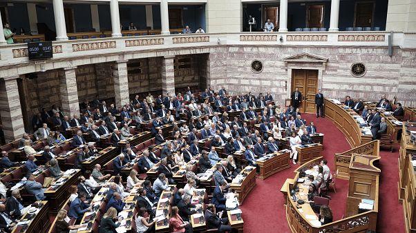 Συζήτηση στην Ολομέλεια της Βουλής για το διυπουργικό νομοσχέδιο