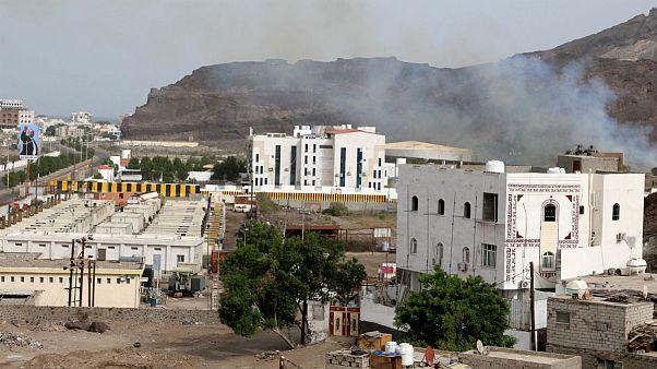 دومین روز درگیری متحدان هادی در شهر عدن یمن