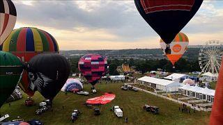 "C'est parti pour la ""Bristol International Balloon Fiesta""!"