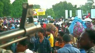 Trabajadores indios huyen de Cachemira por miedo a represalias