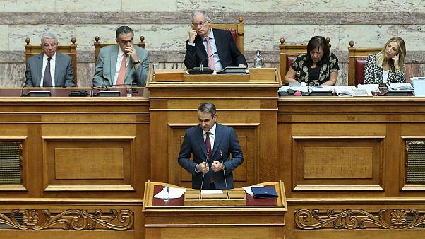 پارلمان یونان قانون منع ورود نظامیان به دانشگاهها را لغو کرد