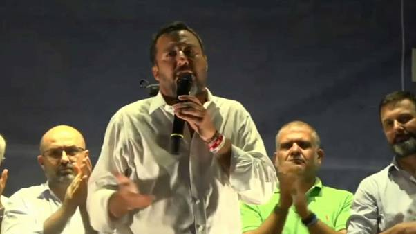 Matteo Salvini durante il comizio di Pescara.