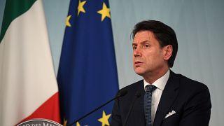 İtalya Başbakanı Conte: İktidar ortağı Salvini neden koalisyonu bozmak istediğini açıklamalı
