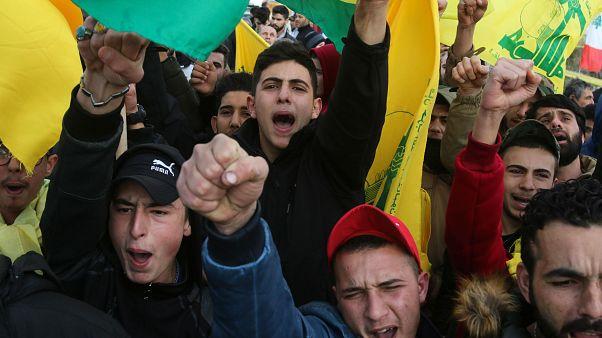 مؤيدو حزب الله خلال احتجاجات على نقل السفارة الأميركية بالقدس. كانون الثاني/يناير 2018