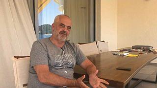 El primer ministro de Albania defiende la convocatoria electoral
