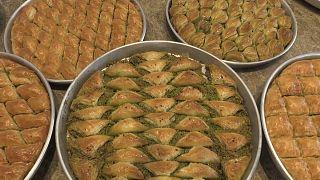 Bayram öncesi Gaziantepli baklava ustalarından yoğun mesai