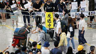 Χονγκ Κονγκ: Στο αεροδρόμιο μεταφέρθηκαν οι κινητοποιήσεις