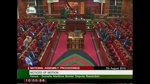 إيقاف جلسة في برلمان إقليمي بعد تبادل الاتهامات بشأن إطلاق الريح