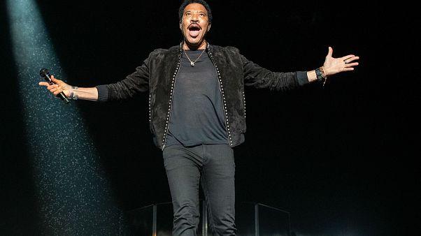 المغني الأميركي الشهير ليونيل ريتشي في مهرجان تكساس للموسيقة في استاد أرلينغتون. 10/أيار 2019