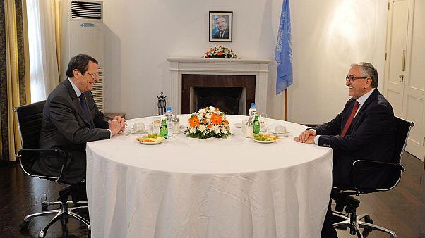 Kıbrıs'ta taraflar BM gözetiminde buluştu: Görüşmeler hidrokarbon konusunda tıkandı