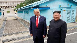 """ترامب يقول إنه تلقى رسالة """"جميلة"""" من كيم تشرح أسباب العمليات الاخيرة لاطلاق صواريخ"""