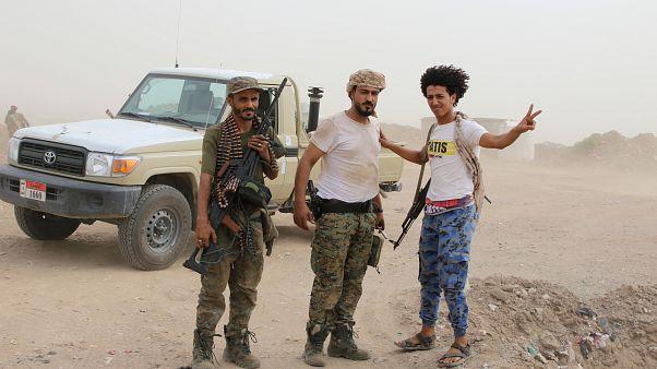 مسلحون من الانفصاليين الجنوبيين المدعومين من الإمارات خلال معارك مع القوات الحكومية بمدينة عدن. 10/آب 2019