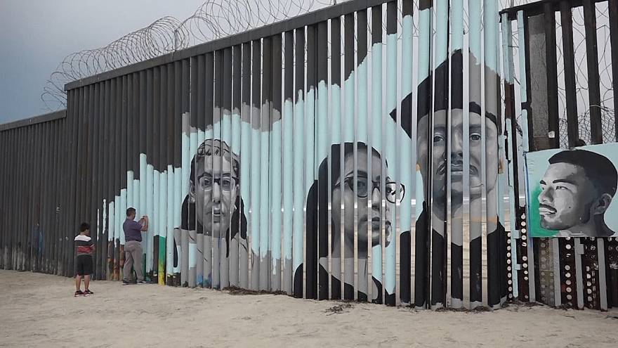 دیوار خاطرات مهاجران در مرز مکزیک با آمریکا