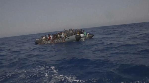إنقاذ 80 مهاجرا في البحر المتوسط