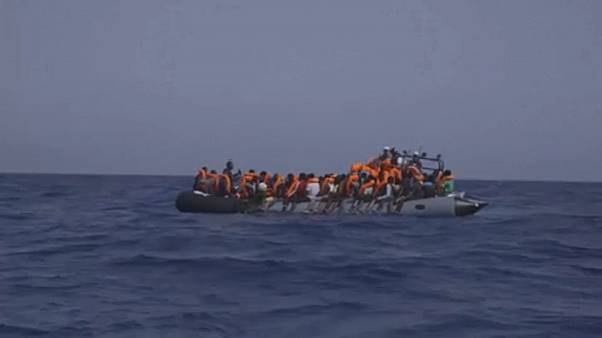 Altri 39 migranti salvati sabato nel Mediterraneo dall'imbarcazione della ONG Open Arms