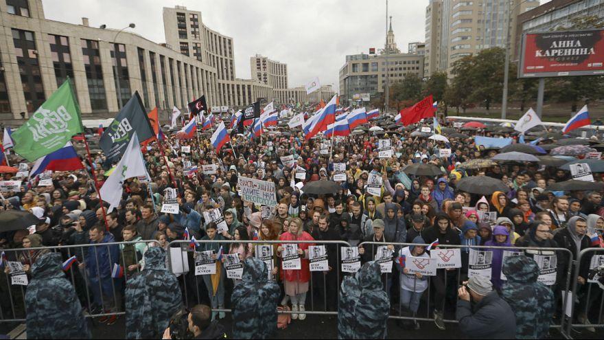 دهها هزار نفر از مخالفان پوتین در مسکو تظاهرات کردند